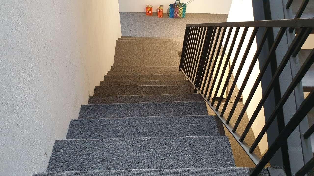Thảm trải cầu thang