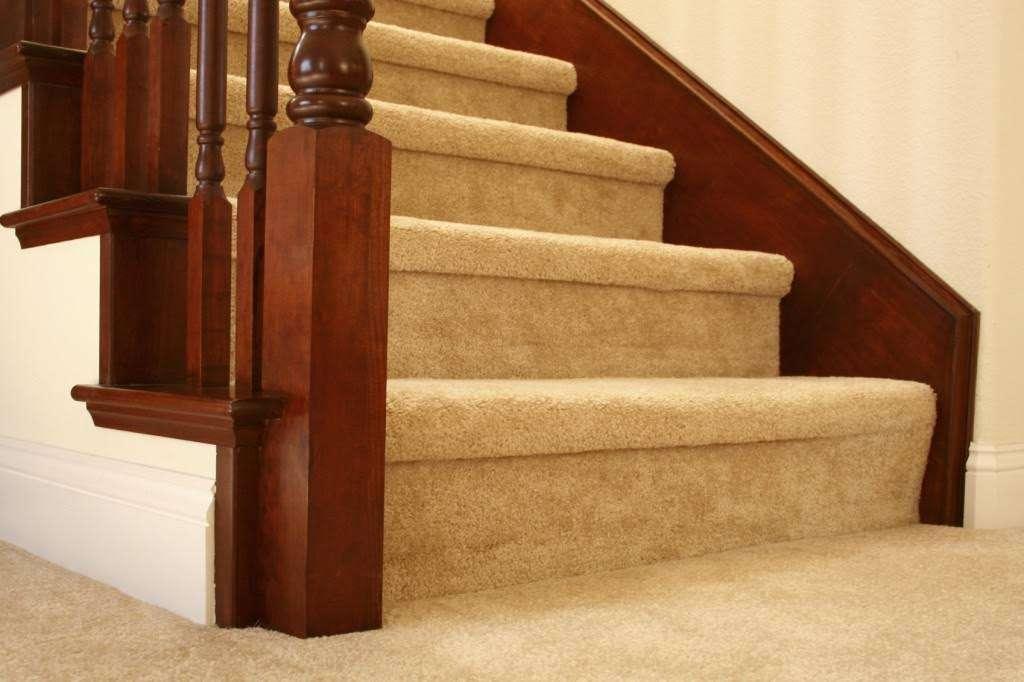 thảm len cầu thang